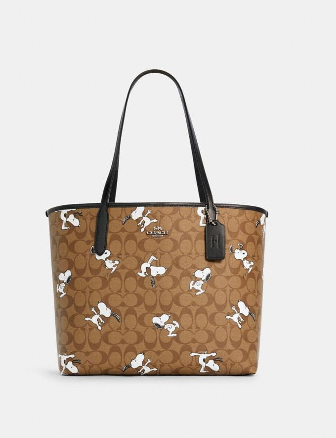 Coach Coach X Peanuts City Tote in Signature Canvas With Snoopy Print Sv/Khaki Multi Coach Insider Coach Insider Exclusives Early Access: Coach x Peanuts