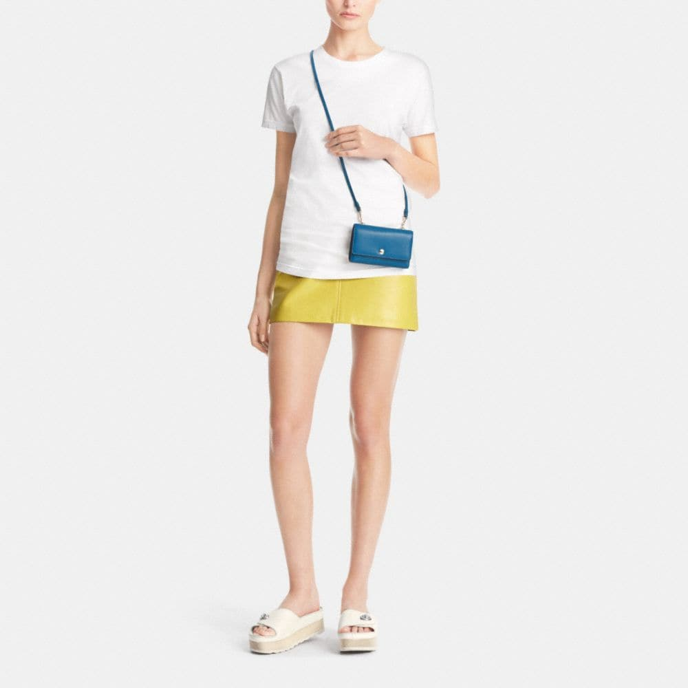 Phone Crossbody in Smooth Leather - Autres affichages M