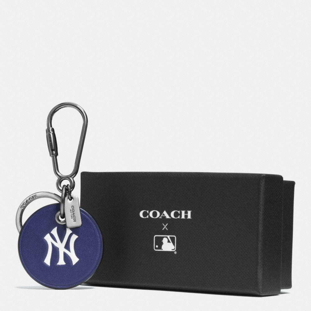 MLB ROUND LOGO KEY RING - Alternate View A1