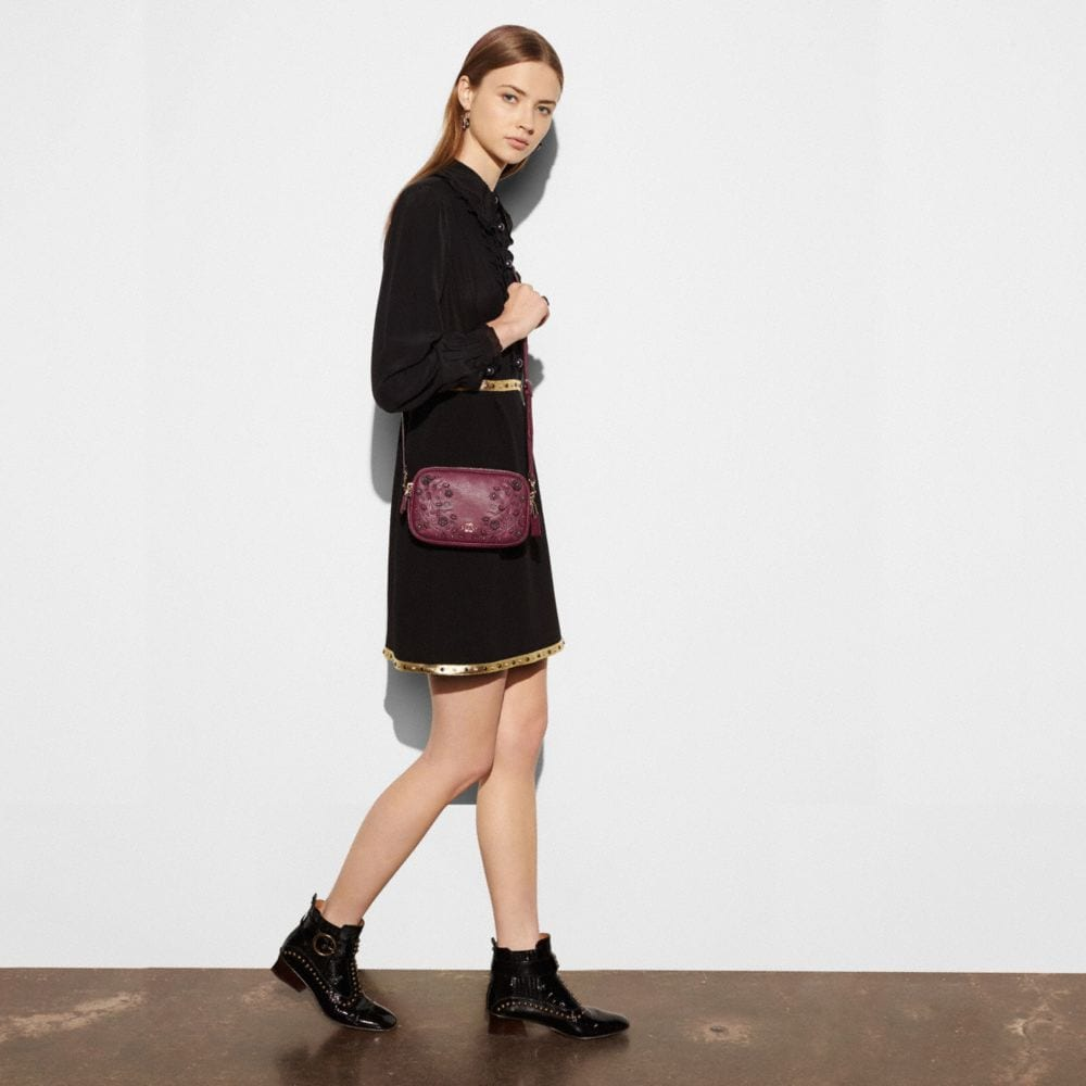 Willow Floral Crossbody Clutch in Pebble Leather - Autres affichages A1