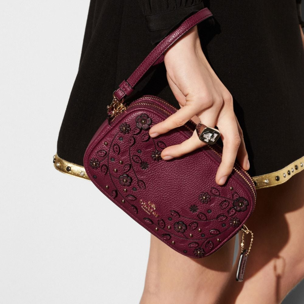 WILLOW FLORAL CROSSBODY CLUTCH IN PEBBLE LEATHER - Autres affichages A2