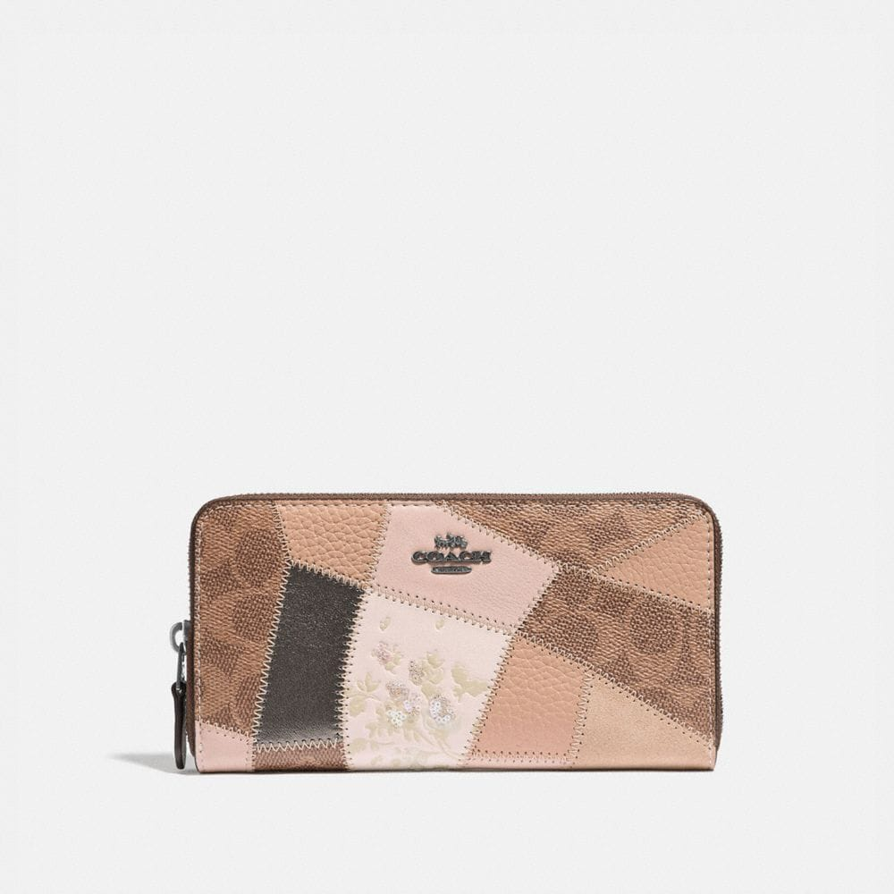 Coach Accordion Zip Wallet With Signature Patchwork