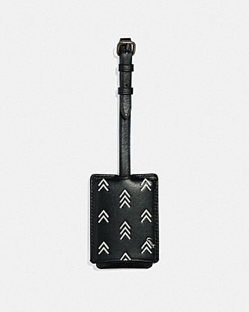 luggage tag with line arrow print