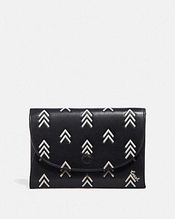 snap card case with line arrow print