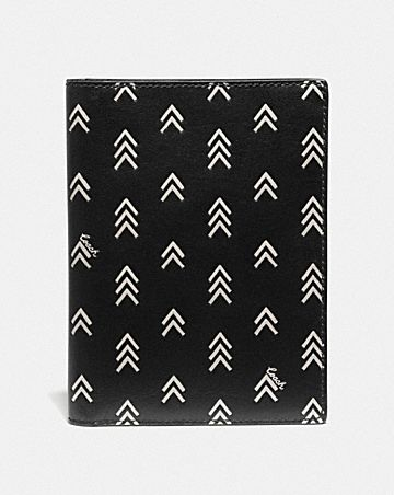 PASSPORT CASE WITH LINE ARROW PRINT