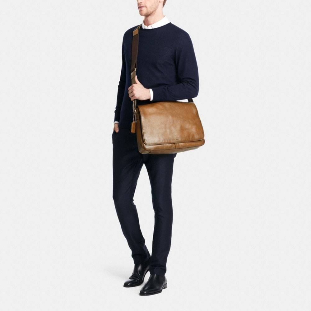 BLEECKER LEGACY COURIER BAG IN LEATHER - Autres affichages M2
