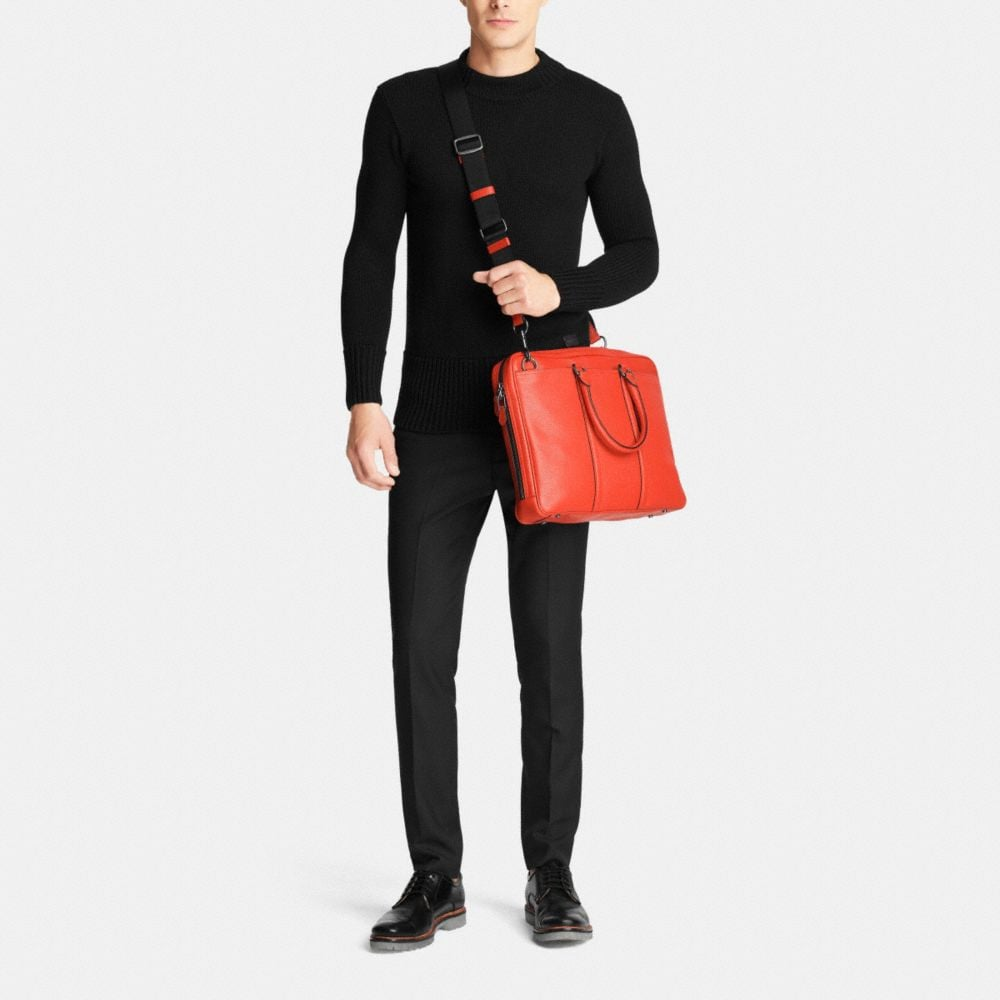 Metropolitan Slim Brief in Pebble Leather - Alternate View M