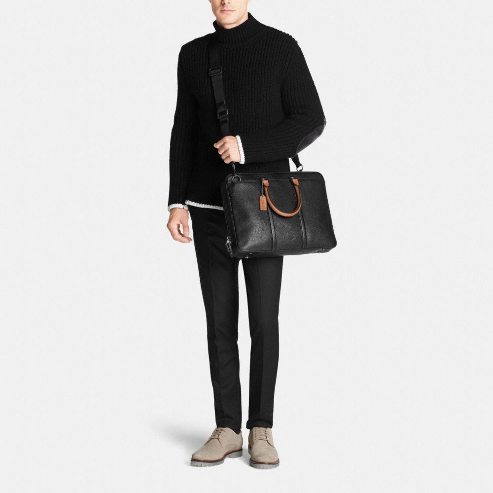 Metropolitan Slim Brief in Contrast Pebble Leather - Alternate View M