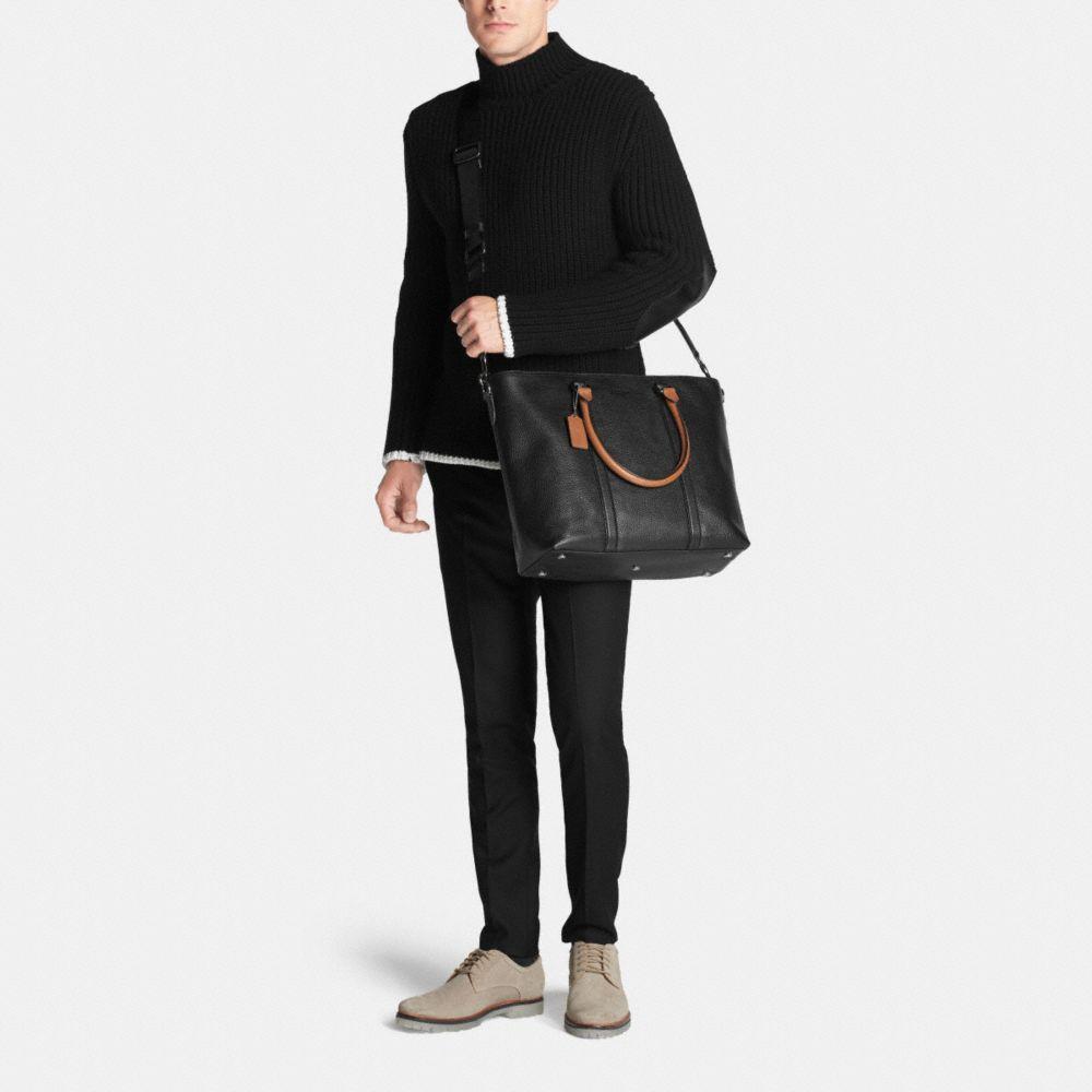 Metropolitan Tote in Contrast Pebble Leather - Alternate View M
