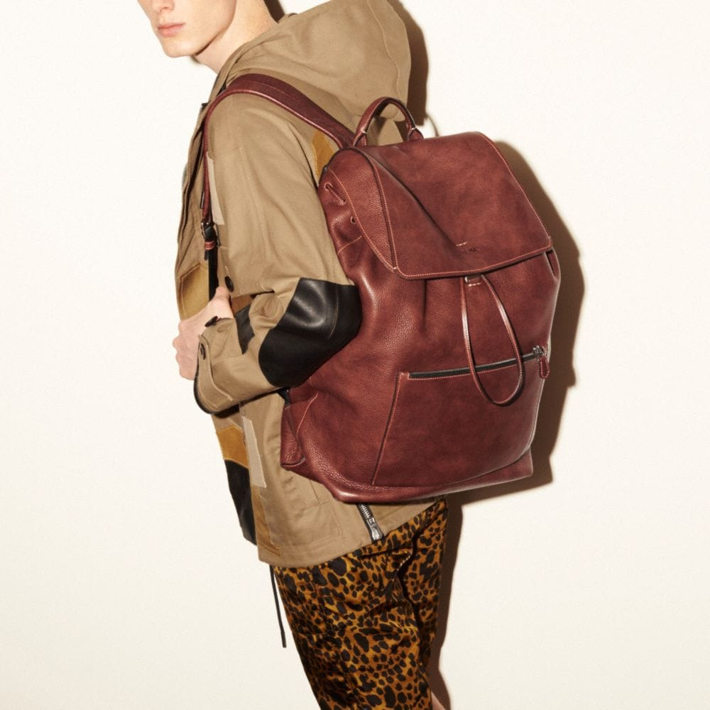 Large Manhattan Backpack in Pebble Leather - Alternate View A4