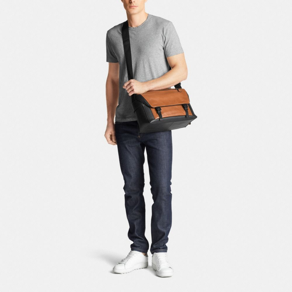 Manhattan Messenger in Leather - Alternate View M