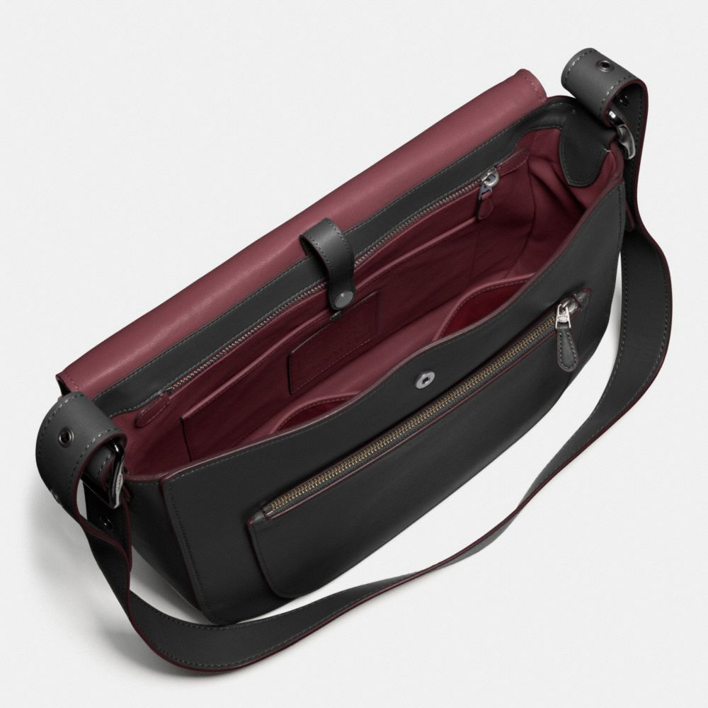 Saddle Bag Messenger 38 in Glovetanned Leather - Alternate View A3