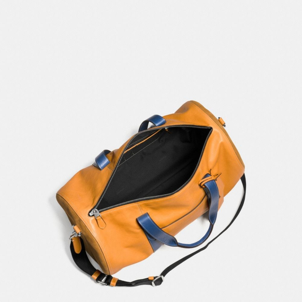 Large Gym Bag in Sport Calf Leather - Alternate View A3