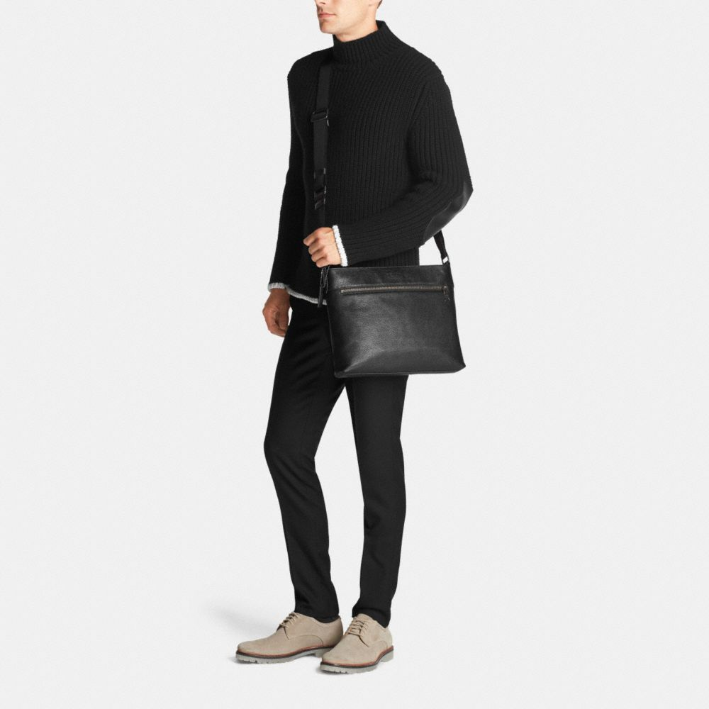 Sam Crossbody in Pebble Leather - Autres affichages M1