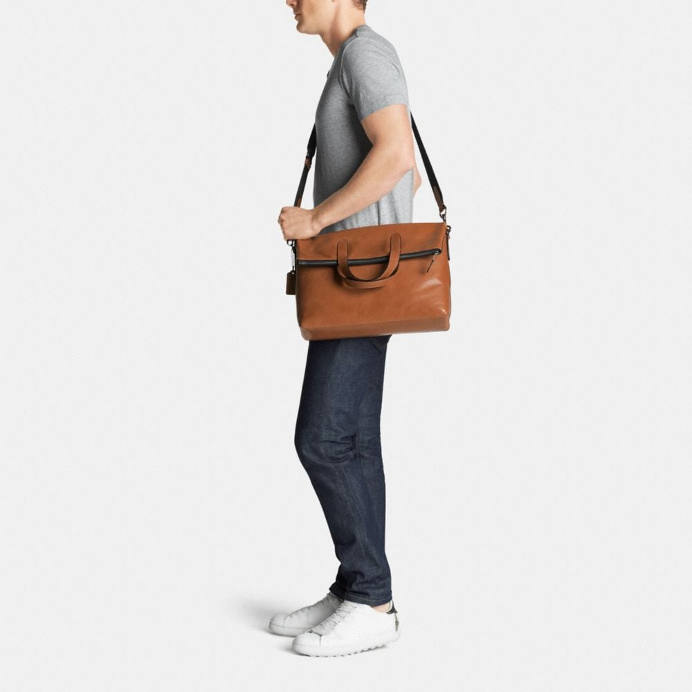 Manhattan Foldover Tote in Sport Calf Leather - Autres affichages M