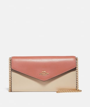 ENVELOPE CHAIN WALLET IN COLORBLOCK
