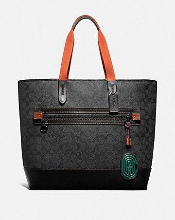ACADEMY TOTE IN SIGNATURE CANVAS WITH COACH PATCH