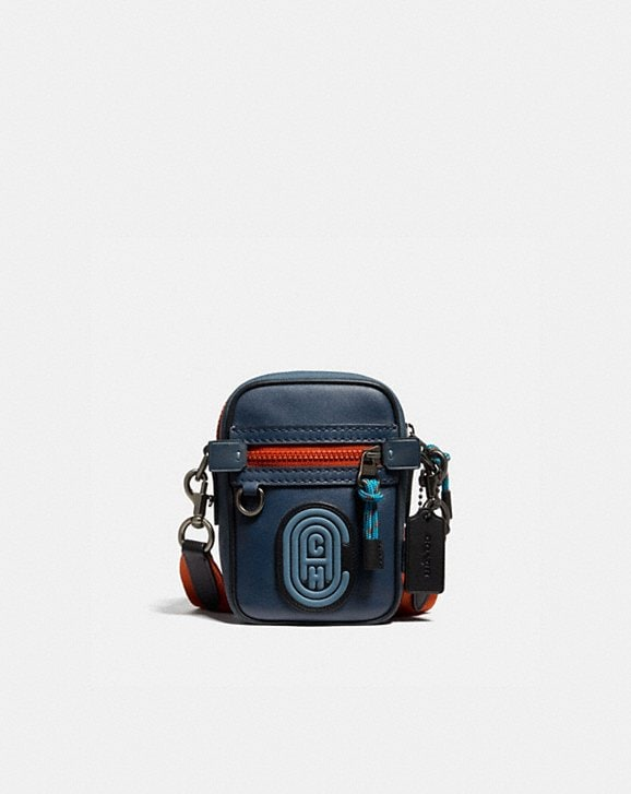Coach DYLAN 10 IN COLORBLOCK WITH COACH PATCH