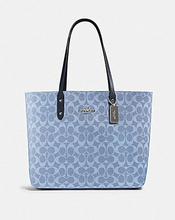 town tote in signature canvas