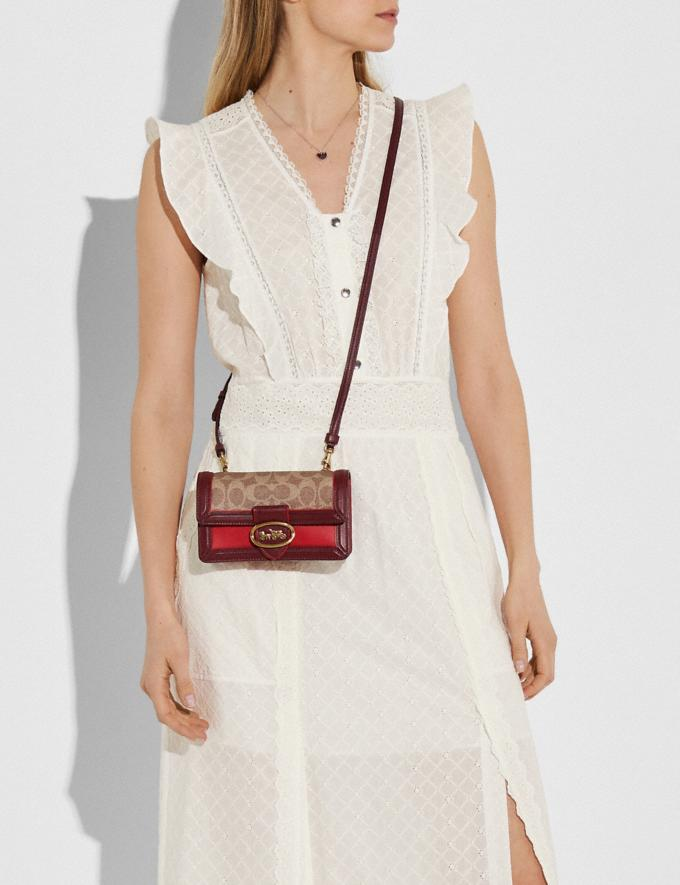 Coach Riley Convertible Belt Bag in Signature Canvas Brass/Tan Red Apple Mujer Bolsos Riñoneras Vistas alternativas 4
