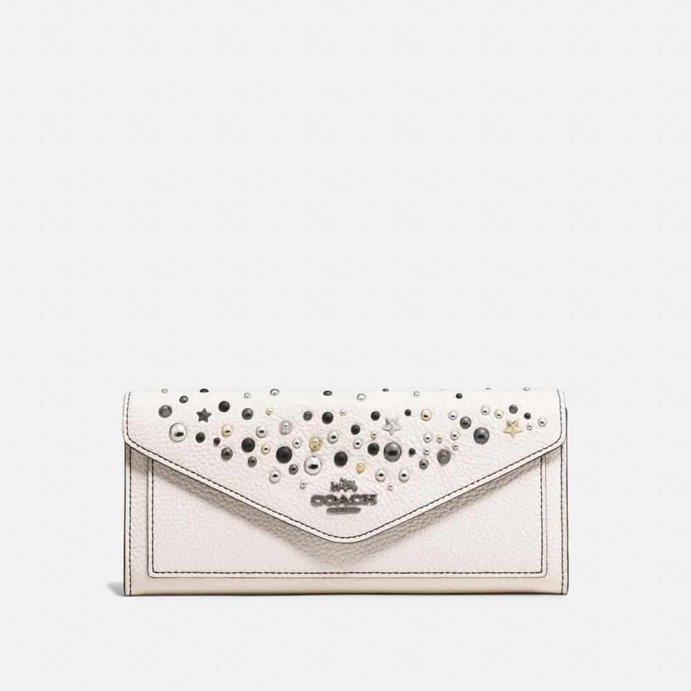 SOFT WALLET IN POLISHED PEBBLE LEATHER WITH STAR RIVETS