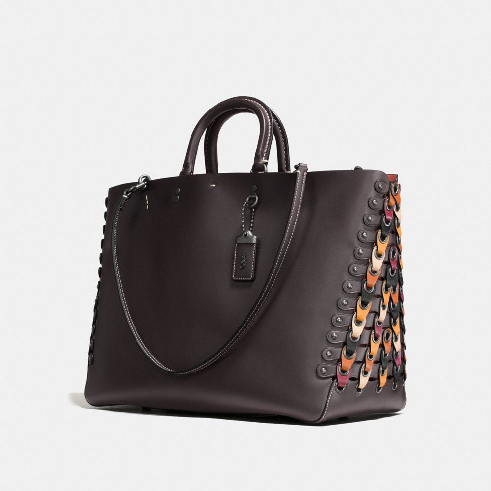 Rogue Tote in Colorblock Coach Link Leather - Visualizzazione alternativa A2