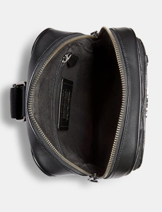 Coach Graham Pack in Signature Canvas Qb/Charcoal/Black DEFAULT_CATEGORY Alternate View 1