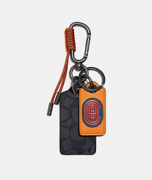 KEY FOB IN SIGNATURE CANVAS WITH COACH PATCH