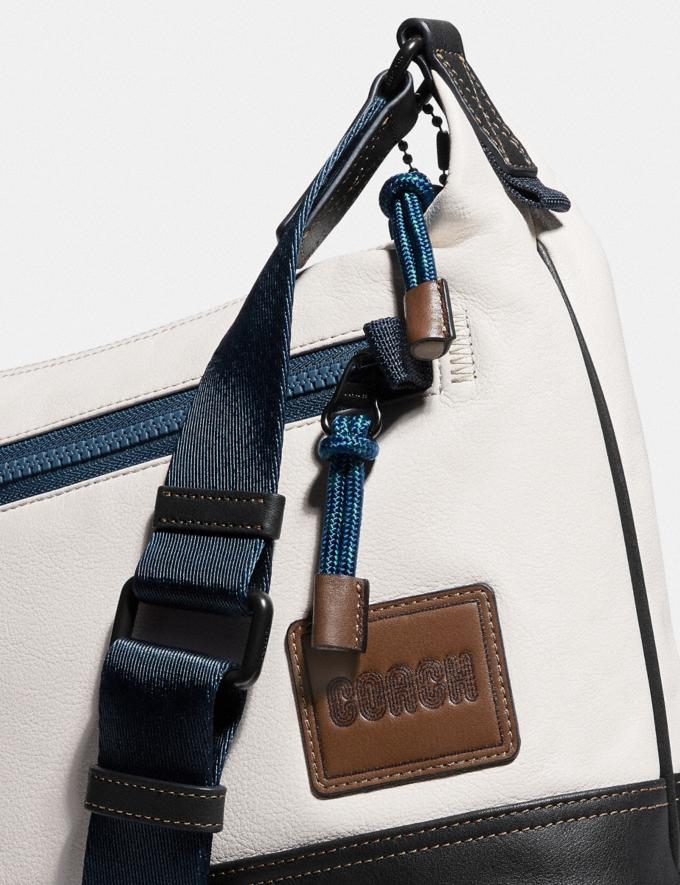 Coach Pacer Messenger 25 With Coach Patch Black Copper/Chalk Gifts For Him Under $500 Alternate View 4