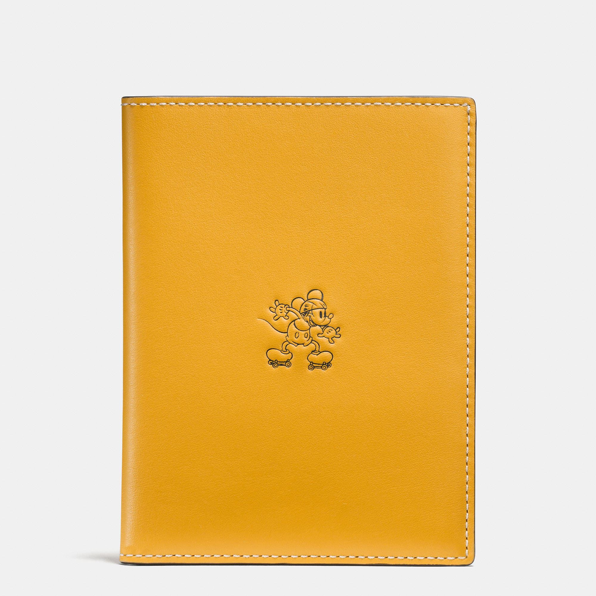 Coach Mickey Passport Case In Glovetanned Leather - Disney