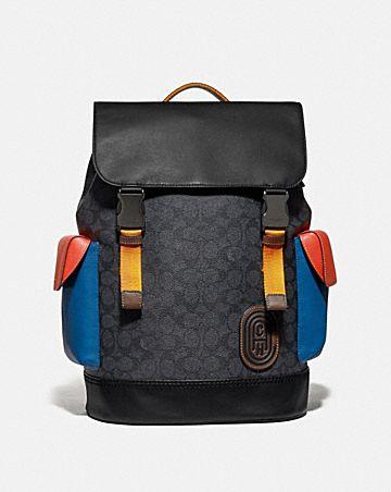 rivington rucksack aus charakteristischem canvas in blockfarben mit coach-aufnäher