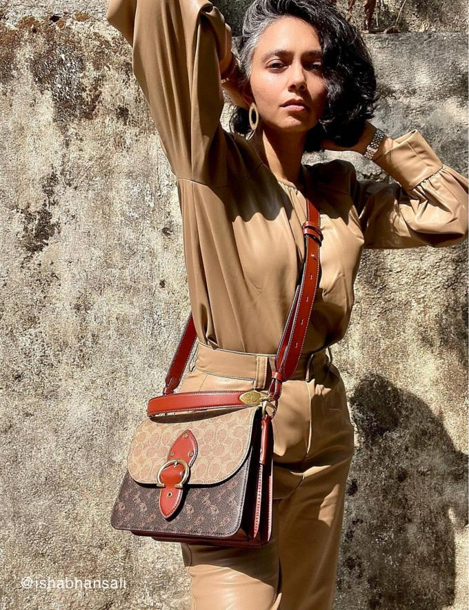 Coach Beat Shoulder Bag in Signature Canvas With Horse and Carriage Print Brass/Tan Truffle Rust Translations null Alternate View 4