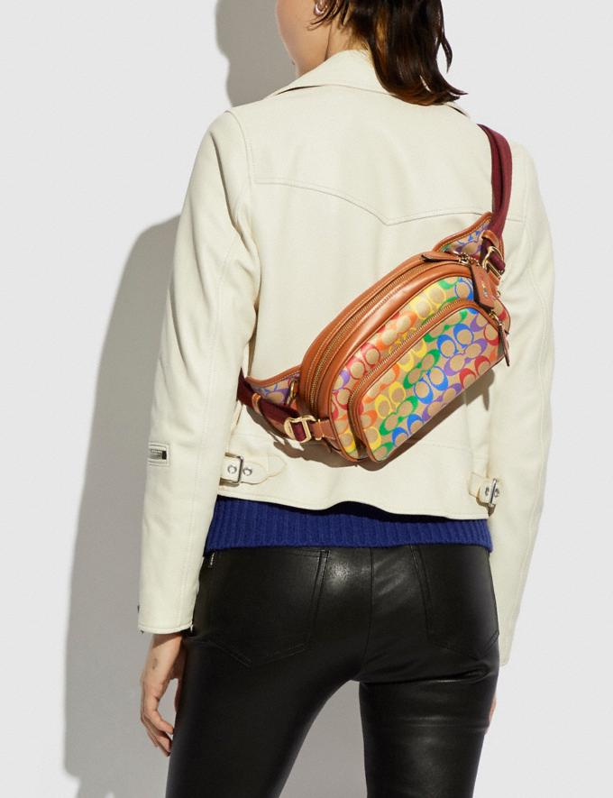 Coach Hitch Belt Bag in Rainbow Signature Canvas Brass/Saddle Multi DEFAULT_CATEGORY Alternate View 3