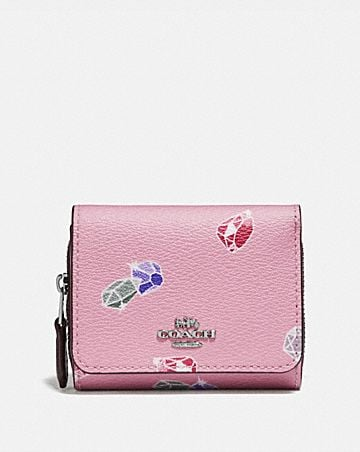 DISNEY X COACH SMALL TRIFOLD WALLET WITH SNOW WHITE AND THE SEVEN DWARFS GEMS PRINT