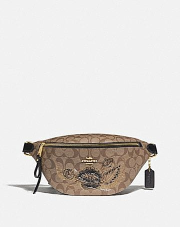 BELT BAG IN SIGNATURE CANVAS WITH CHELSEA ANIMATION