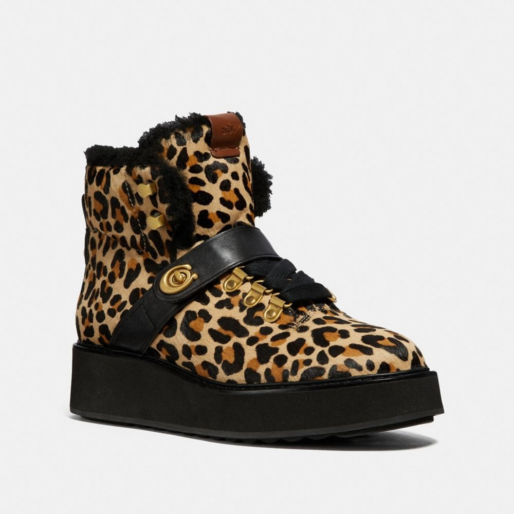URBAN HIKER CON ESTAMPADO DE LEOPARDO