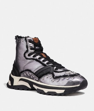 C243 HIGH TOP RUNNER WITH STUDS